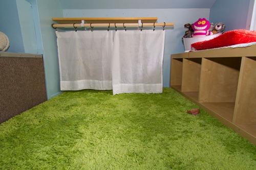 Minions near the curtain.